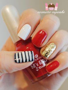 Simple nautical nails