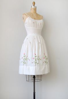 want. so. very. much.  vintage 1950s dress @adorevintage @etsy