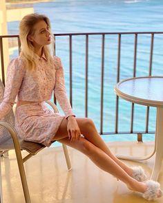 Allison Harvard, America's Next Top Model, Dresses With Sleeves, Long Sleeve, Sweaters, Hawaii, Instagram, Fashion, Moda