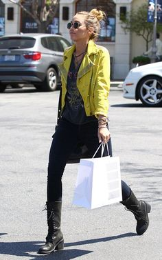 miley cirus has really awesome style!