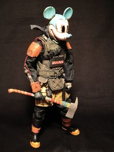 This person looks cool but at the same time looks kinda scary. This is especially because the armer and ake that he is holding Character Concept, Character Art, Concept Art, Character Design, 3d Figures, Custom Action Figures, Toy Art, Fallout, Rpg Cyberpunk