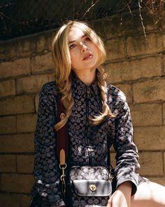 Instagram Estilo Sabrina Carpenter, Blonde Hair Looks, Girl Meets World, Just Girl Things, Hollywood Celebrities, Girl Crushes, Woman Crush, Most Beautiful Women, Role Models