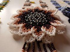 Collier Marguerite fleur deux dimensions art