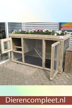 Chicken coop with planter - Chicken coop with planter is a chicken coop from our own production and is of heavy solid quality. Walk In Chicken Coop, Small Chicken Coops, Easy Chicken Coop, Chicken Cages, Chicken Coup, Chicken Coop Designs, Backyard Coop, Backyard Chicken Coop Plans, Chickens Backyard