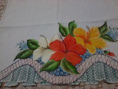 Pano de prato pintado com tecido de sacaria de ótima qualidade, barrado falso ou seja também pintado e recostado R$ 28,00