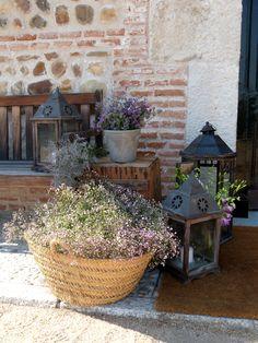 Bodegón decorativo de entrada. www.thebestweddingever.es #bodas #decoracionbodas #detallesboda #bodafinca #bodarustica #bodacampo #bodasmadrid
