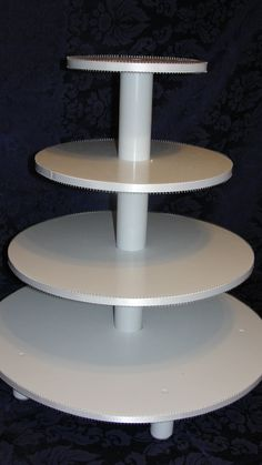 Cake Stand With Cupcakes Underneath