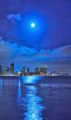 Moonlight Blues, San Diego, California Love my city! Beautiful Moon, Beautiful World, Beautiful Places, Amazing Places, San Diego, San Francisco, California Dreamin', Jolie Photo, City Lights