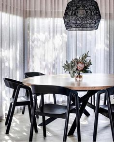 Want to know more about : black dining room table and chairs Modern Dining Chairs, Dining Room Furniture, Dining Room Table, Black Dining Room Chairs, Furniture Design, Dining Rooms, Black Round Table, Black Round Dining Table, Industrial Dining Chairs