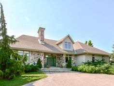 7541 Conservation Rd, Guelph Ontario   $929,000  For more info contact Andra Arnold or visit http://www.cbn.on.ca/real-estate/property/?id=754592