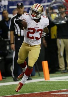 San Francisco 49ers' LaMichael James celebrates after rushing 15-yards for a touchdown during the first half of the NFL football NFC Championship game against the Atlanta Falcons Sunday, Jan. 20, 2013, in Atlanta.