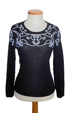 Camiseta bordado cordón delantero y mangas, color Negro