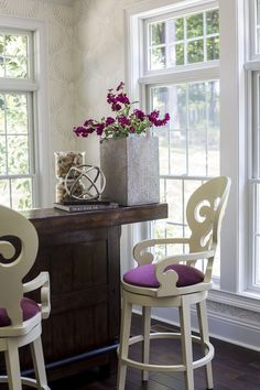 sun room, freestanding bar, pottery barn furniture, farrow and ball, lotus wallpaper