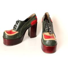 Vintage Shoes Red vintage by Sylvia Simon on Etsy 70s Shoes, Mode Shoes, Me Too Shoes, Mens Platform Shoes, Mode Pop, Shoe Boots, Shoe Bag, Vintage Shoes, Vintage Stuff