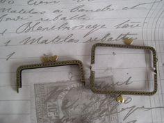 Taschenbügel Messing Herzchen Clip antik Bronze von Leinen-Traum auf DaWanda.com Clips, Messing, Bronze, Etsy, Linen Fabric, Bags