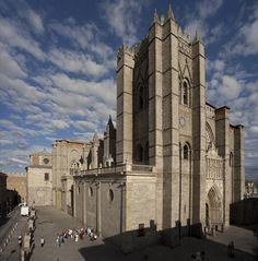 Catedral de Ávila Fuente: www.pmrmaeyaert.com . Puedes conocer más de esta #Catedral en http://destinocastillayleon.es/index/12-catedrales-por-conocer-en-castilla-y-leon/
