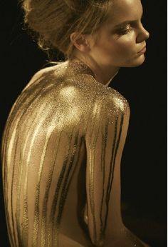 Asi es dulzura, el dorado luce mucho mejor sobre cualquier superficie deliciosamente suave!