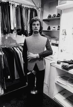 Portrait de Paul Smith dans sa première boutique sur Byard Lane à Nottingham http://www.vogue.fr/culture/a-voir/diaporama/l-exposition-paul-smith-a-londres/13810