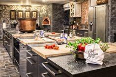 http://www.italyculinaryholiday.com/images/ospitalita/Casa-Gregorio-01-new-kitchen.jpg