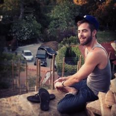Chris Pine bein a Country boy