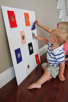 Toddler Approved!: Zoo Animal Peek-a-Boo Board