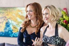 Sn Ep 3 - Bates Motel on A&E /. Once Norma arrives at the party (looking gorgeous) Christine (Rebecca Creskoff) introduces her to her friends, including her brother George (Michael Vartan). Bates Motel Season 2, Norma Bates, Michael Vartan, Tv Series 2013, Vera Farmiga, Boy Best Friend, Mom Hairstyles, Curl Styles, George Michael