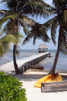 Belize - one of the most epic trips ever; because of the beauty of the country and the TONS of places to see, but also because of the amazing ladies I went with! Vacation Destinations, Dream Vacations, Vacation Spots, Places To Travel, Places To See, Places Around The World, Around The Worlds, Paris 3, Beautiful Beaches