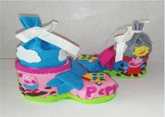 Dulcero de bota de Peppa Pig con botellas de plastico reciclaje Peppa Pi...