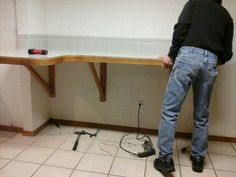 Removal of breakfast bar catch all