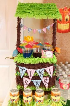 Luau Party Ideas via Catch My Party  Featured @ www.partyz.co your party planning search engine!