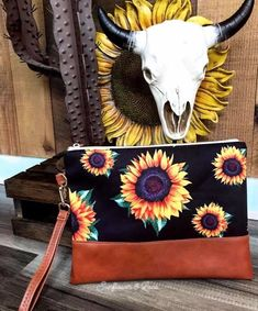 A fun unique online boutique located in Pennsylvania 🌻☀️ Sunflowers And Daisies, Sun Flowers, Southern Charm, Simply Southern, Sunflower Accessories, Summer Looks, Car Accessories, My Style, Simple Style
