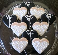 Hand Decorated Wedding Dress and Tuxedo Heart Sugar Cookies.would change it up and change the wedding dress to gold accents Heart Cookies, Cute Cookies, Cupcake Cookies, Cookie Favors, Baby Cookies, Flower Cookies, Valentine Cookies, Easter Cookies, Birthday Cookies