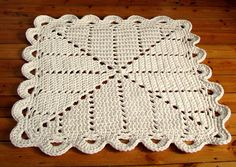 So if you can make a doily rug, why not a granny square rug too? Not Zpagetti, nor Hoopla but the same stuff without the branding - edges of fabric rolls cut off i. Granny Square Crochet Pattern, Crochet Squares, Crochet Granny, Filet Crochet, Crochet Motif, Crochet Doilies, Crochet Rugs, Rag Rug Tutorial, Tricot
