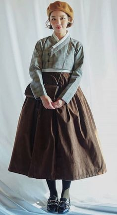 cropped wrap bolero creates a nice shape with full skirts - make short sleeve for layering and wearing year round Korean Traditional Dress, Traditional Dresses, Beautiful Outfits, Cool Outfits, Fashion Outfits, Oriental Fashion, Asian Fashion, Vogue Fashion, Lolita Fashion