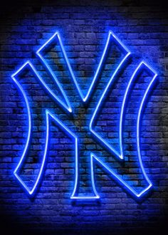 Check out our massive range of New York Yankees merchandise! Yankees Team, Yankees Logo, New York Yankees Baseball, New York Giants, Funny Phone Wallpaper, Wallpaper Backgrounds, Wallpapers, Los Angeles Dodgers Logo, Crafts