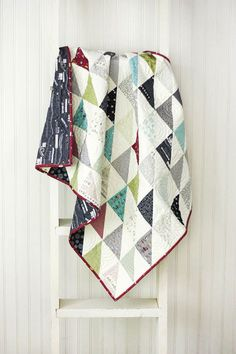 Cottonberry quilts ---Road 15 Baby Quilt - Crib Quilt - Small Lap quilt - READ TO SHIP