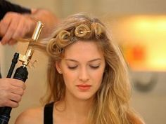 TV BREAKING NEWS Red Carpet Looks: Country Curl How-To - http://tvnews.me/red-carpet-looks-country-curl-how-to/