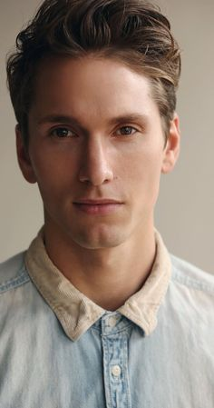 """Benjamin Stone, Actor: The Nine Lives of Chloe King. Benjamin Stone, born in Kingston, Surrey, is an actor, best known for playing Blank in the ABC Family TV series """"10 Things I Hate About You"""". At an early age, Stone has worked on his craft - training in several acting schools and performing in local theaters playing lead roles in """"Pendragon"""", """"The Dreaming"""" and """"150th Celebration"""". Stone is also a very busy Voice Actor, doing voice overs for the ..."""