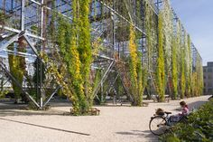 MFO Park in Zurich, Switzerland sets a unique precedent for an urban park, incorporating something unmistakably urban: verticality.