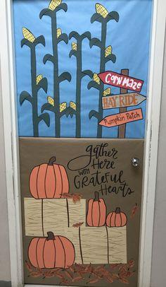 Thanksgiving Classroom Door, Halloween Classroom Door, Classroom Fun, Preschool Door, Fall Preschool, Preschool Crafts, Kindergarten Door, Toddler Classroom Decorations, School Door Decorations