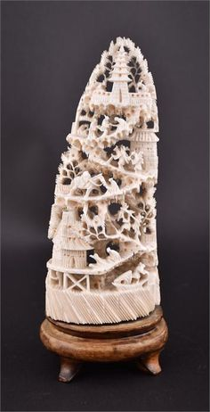 A late 19th/ early 20th century Chineseivory carving showi