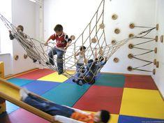 Springen, Toben, Bewegen Ninja Warrior, Kids Playing, Playroom, Family Room, Kids Room, Google, Basement, Asia, Interiors