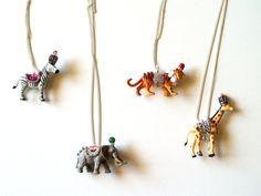 so adorable- diy circus animal necklaces
