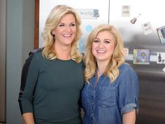 What to Watch: Trisha Cooks with Kelly Clarkson, Thanksgiving Live and Square Dancing on Farmhouse Rules from Food Network Food Network/trisha, Food Dishes, Trisha's Southern Kitchen, Trisha Yearwood, Famous Singers, Kelly Clarkson, Food Shows, New Shows, Food Network Recipes