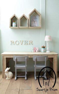 Speeltafel Rover? De leukste Bureau's & Tafels voor de kinderkamer bij Saartje Prum.