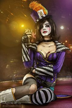Looks Can Kill - Moxxi cosplay by ThelemaTherion.deviantart.com on @deviantART