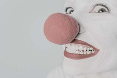 Circus - Entertainmens   Circusartiest of circusact inhuren? Circusartiesten! Aerial Hoop, Aerial Silks, Bucket Drumming, Cabaret Show, Look Alike, Clowns, Clinic, Workshop, Events