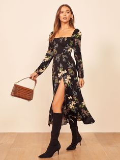 Shop the Sigmund Dress, a midi length dress with a square neckline, slightly puffed shoulders and a high slit. Looks Pinterest, Wedding Guest Style, Mode Chic, Maxi Wrap Dress, Cute Dresses, Maxi Dresses, Trendy Fashion, Ideias Fashion, Fashion Dresses