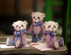 pipkins miniature artist bear - https://www.pipkinsbears.com