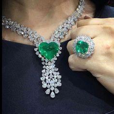 @noxa_jewellery. Emerald Magic | noxajewellery.tumblr.com